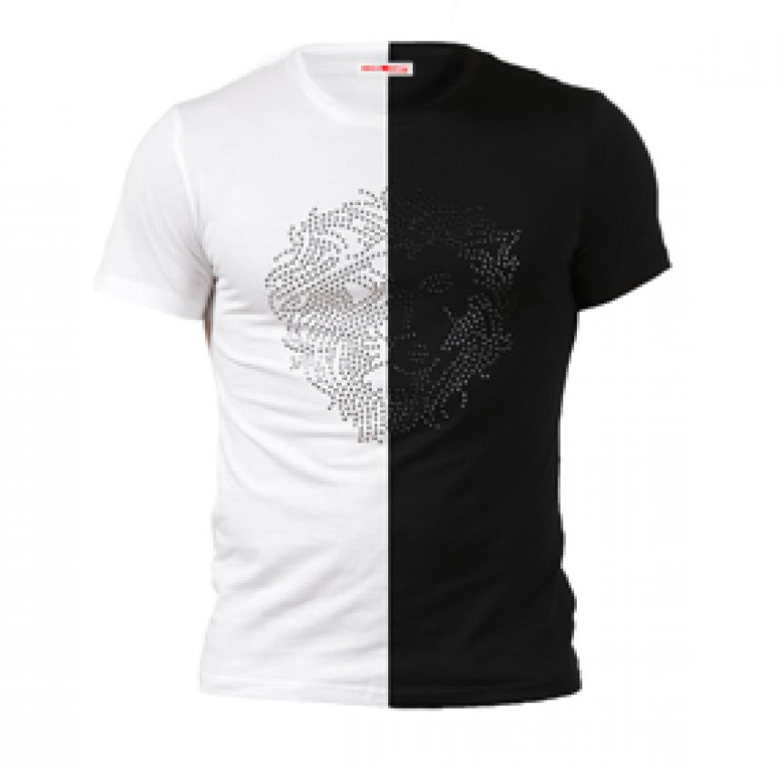 Черна или бяла тениска?