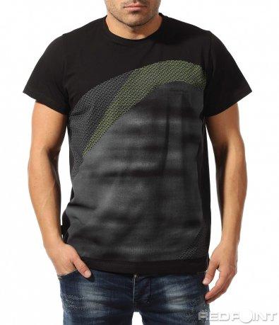 Черна тениска с щампа 9071