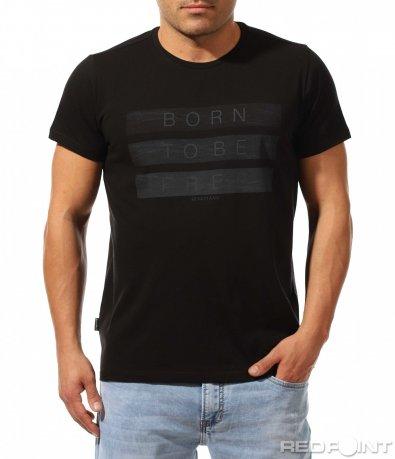 Черна вталена тениска с надпис 9136
