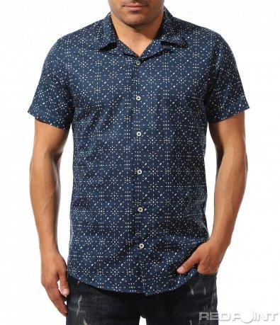 Тъмно синя риза с декорация 9657