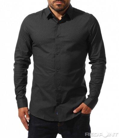 Вталена риза със семпли мотиви 10242