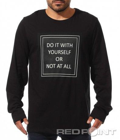Черна тениска с дълъг ръкав 10439