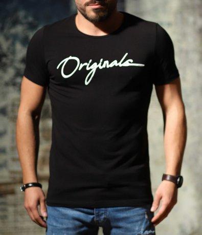 Черна вталена тениска с надпис 10696