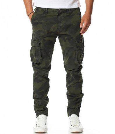 Ефектен панталон в камуфлажен принт 11416