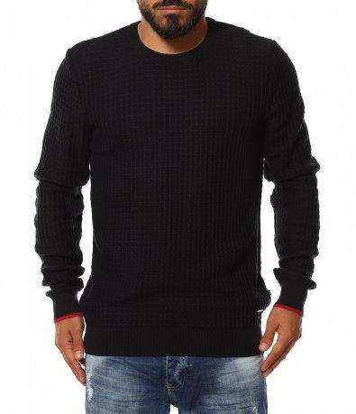 Плътен пуловер с червен кант 11819