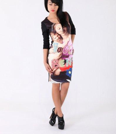 Дамска рокля с апликация 3697