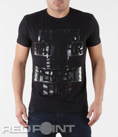 Черна тениска с ефектен надпис 5703