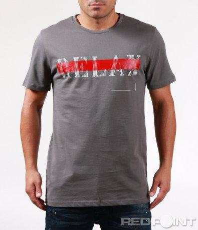 Тениска с червен елемент и надпис 6437