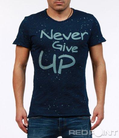 Тъмно синя тениска с надпис 7244